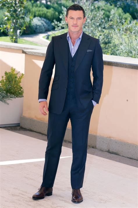 light navy blue suit navy blue suit brown shoes www imgkid com the image