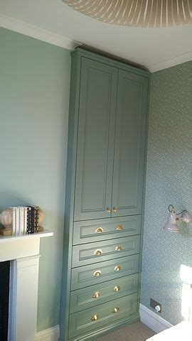 Wardrobe Carpenter by 1000 Ideas About Build In Wardrobe On Built