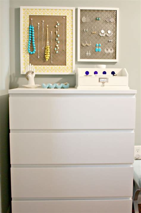 Bedroom Vanity With Jewelry Storage by 17 Best Images About Bedroom Decor On Hale