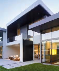 Minimalist Homes by Modern Homes And Modern Home Exterior Images Of Modern
