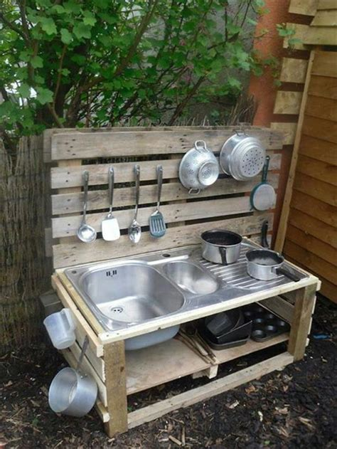 a pallet outdoor kitchen construction and diy projects - Outdoor Kitchen Forum
