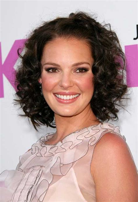 short hairstyles for curly hair and oval face the best