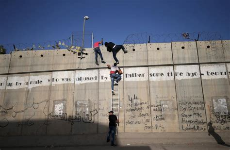 the wall and the gate israel palestine and the battle for human rights books what history tells us about building a wall to solve a problem