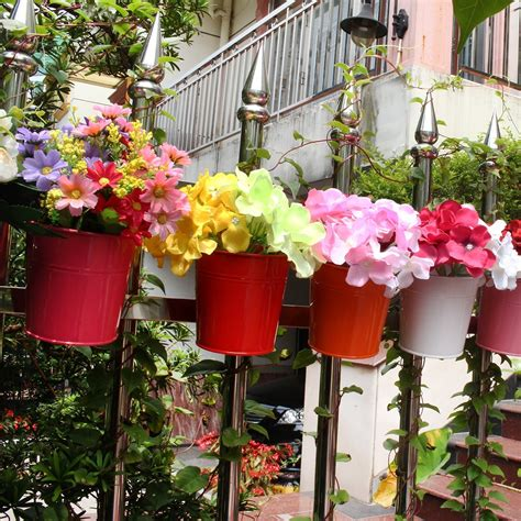 vasi con fiori vasi colorati in metallo per fiori da balcone