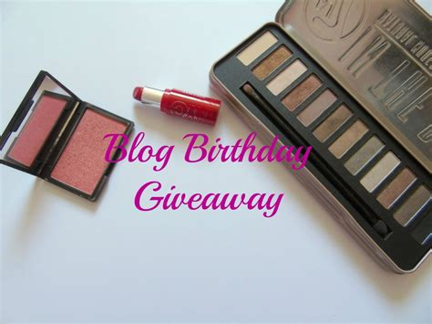 Giveaway Blog - blog birthday giveaway she s looking at the stars