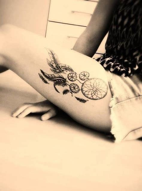 tatuaggi interno coscia tatuaggio acchiappasogni significato e disegni