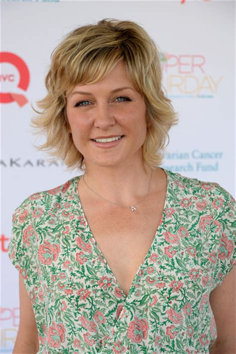 carlson hairstyles on blue bloods amy carlson photos photos ocrf s 16th annual super