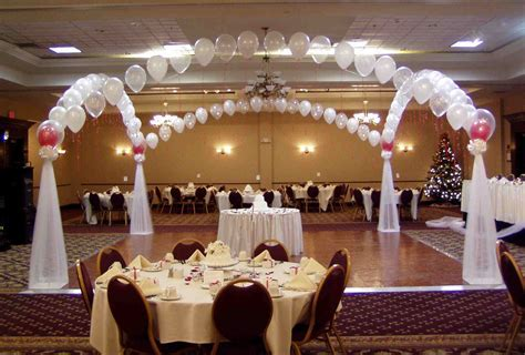 Balloon Decorations For Wedding Reception   Party Favors Ideas