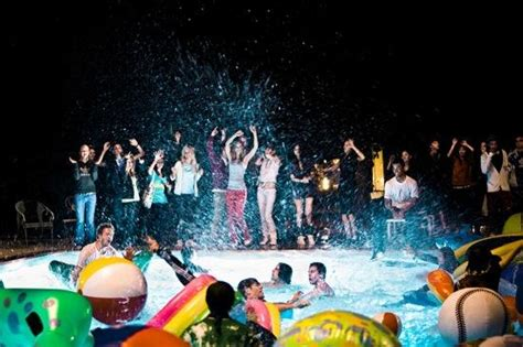 house pool party house party de adidas enagua pinterest