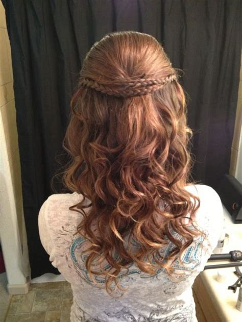homecoming hairstyles for really curly hair 35 diverse homecoming hairstyles for short medium and