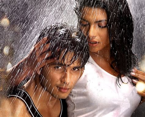 priyanka chopra new english song mp3 download hot priyanka chopra s saat khoon maaf download mp3 songs