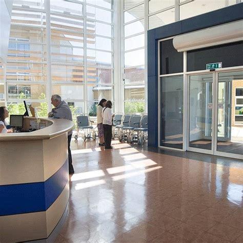 airbloc air curtain ac series commercial air curtain ambirad esi building
