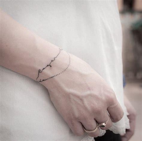 tattoo quebec meilleur les 25 meilleures id 233 es de la cat 233 gorie tatouage bracelet
