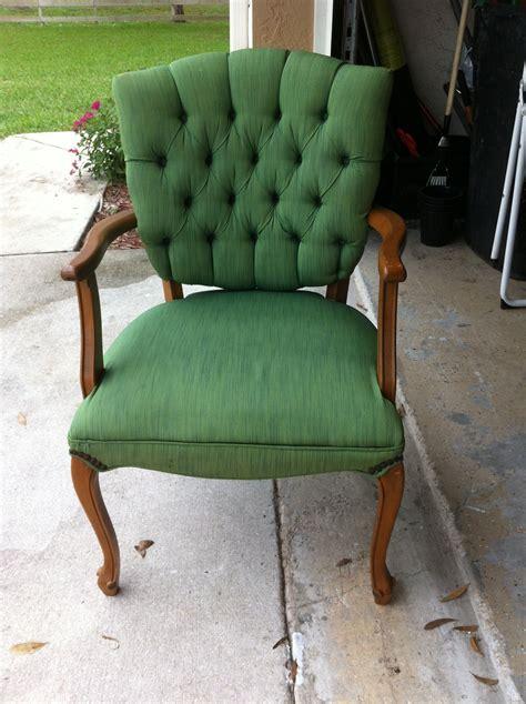 stoffen bekleding stoel verven tulip fabric spray paint chair ristyl meubels peinture