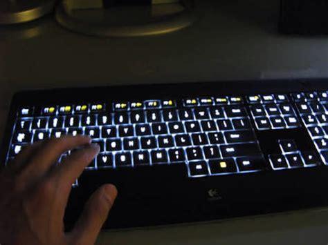 Keyboard Logitech K800 teclado iluminado logitech k800 ptb sem fio wireless r