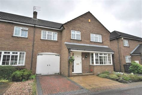 3 bedroom house for sale in leeds 3 bedroom town house for sale in park lane mews alwoodley