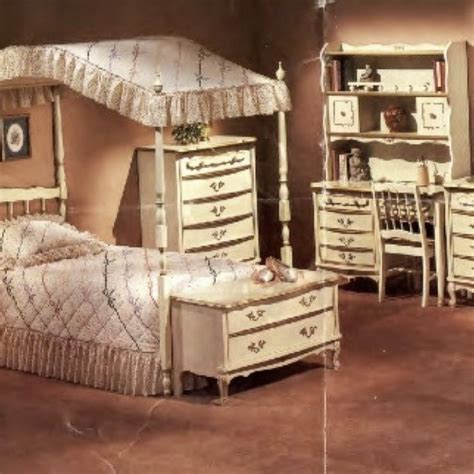 french provincial girls bedroom best 25 french provincial furniture ideas on pinterest