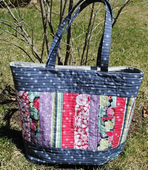 Quilted Bag Pattern by Large Tote Bag Pattern Quilted Tote Sewing Pattern
