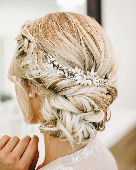 Updo Hairstyle Accessories by Best 25 Updo Hairstyle Ideas On Updo