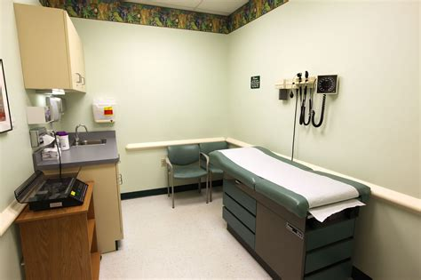 doctor room exam room twinsburg achp jpg 2000 215 1333 doctors room and room