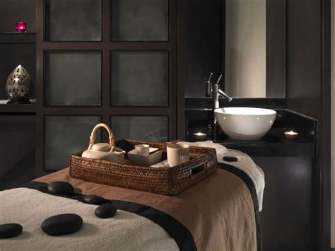 spa bedrooms een mannelijke inrichting van een behandelkamer