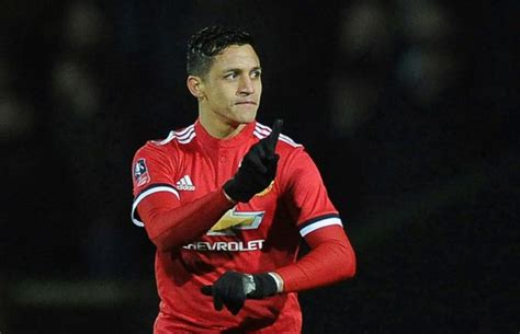 alexis sanchez man u video goals man utd 2 0 huddersfield sanchez on target
