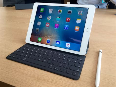 best 7 inch tablet on the market apple and samsung lead the declining tablet market
