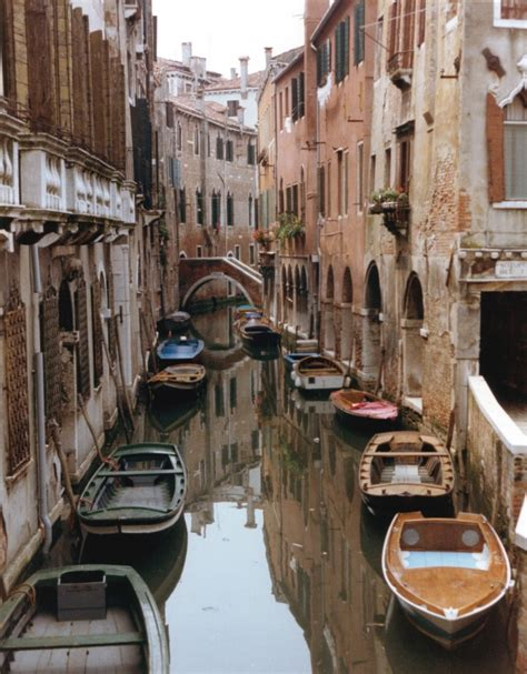 s day venice canal give incandescent sun venice and its canals