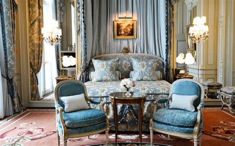 hotel review  ritz reclaims  place  pariss crown