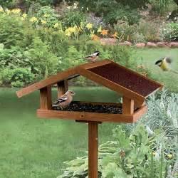 mangeoire sur pied eco mangeoire pour oiseaux des