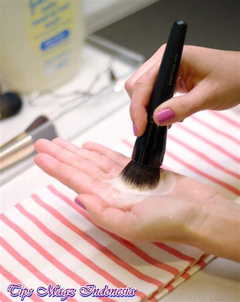 Kuas Make Up Di Pasaran cara membersihkan kuas make up dengan baik dan aman