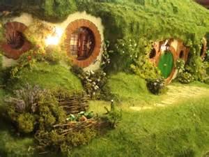 bag end front door hobbit houses caelum et terra