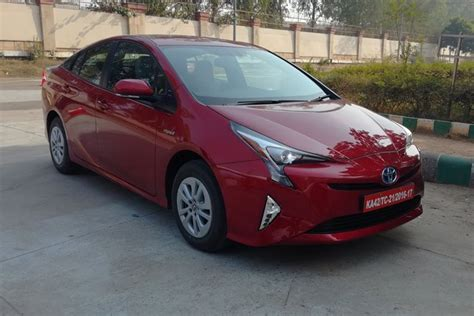 Toyota Incentives New Toyota Prius Launched At Rs 38 96 Lakh But Will Get