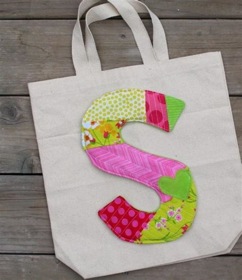 You To See Quilt As You Go Bag Tutorial On Craftsy - quilt as you go initial tote favequilts