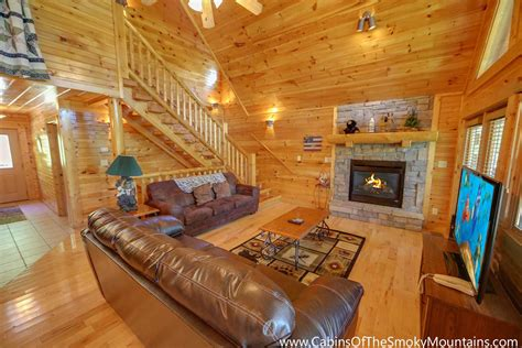3 bedroom cabins in gatlinburg gatlinburg cabin cherokee ridge 3 bedroom sleeps 10