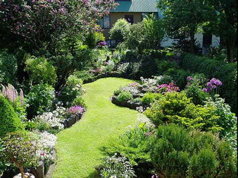 Planning A Flower Garden Garden Design Small Garden Design Pictures