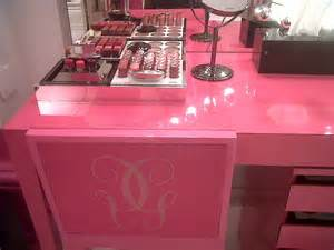 Pink Vanity Table Pop Up Guerlain Scout