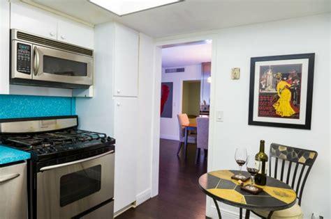 schiebetür für küche wohnzimmer spiegel schwarz