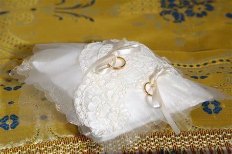 cuscino x fedi nuziali cuscino per anelli nuziali casamia idea di immagine