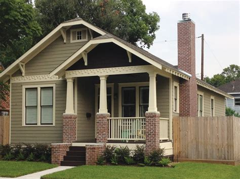 bungalo house chicago bungalow what is bungalow house bungalow house