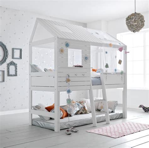 letti bimba letto bimba a soppalco o basso con tetto casa delle fate