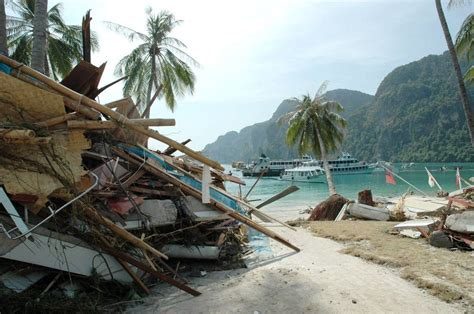 imagenes reales tsunami tailandia se cumplen 8 a 241 os del tsunami que caus 243 8 000 muertos en
