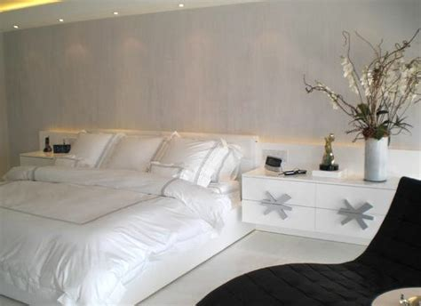 white and silver bedroom 23 modern bedroom designs