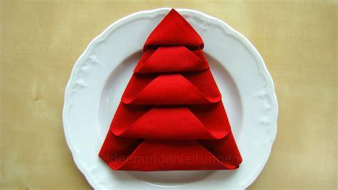 Weihnachtliche Servietten Falten by Servietten Falten Weihnachten Tanne Tischdeko