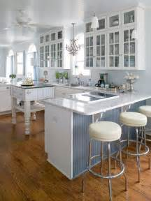 Bungalow Kitchen Design by Cottage Kitchen Design Ideas Glasses Cabinets And Bar