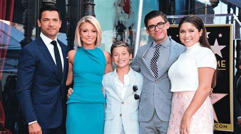 spotted kelly ripa and kids drink up moms babies celebrity the normal life of kelly ripa sj magazine