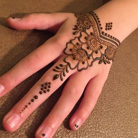 design henna simple di kaki gambar terbaru henna tangan cantik mudah simple video