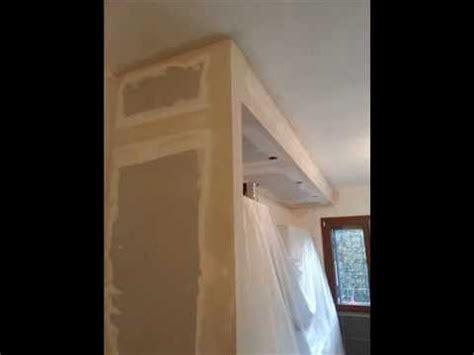 come si costruisce un armadio a muro parete e veletta in cartongesso per cucina