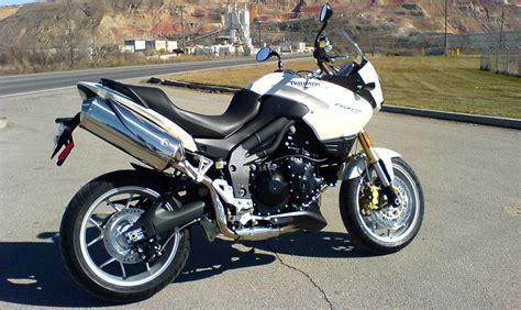 guida allinstallazione corretta del seggiolino quattroruote bmw xc 6 great adventure motorcycles gear patrol in4ride