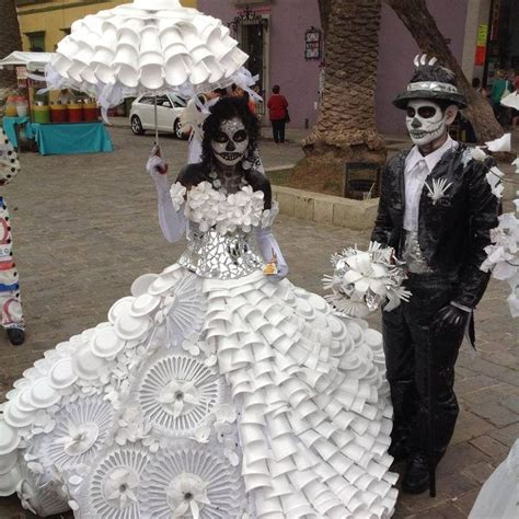 i love this material this dress is made out of on pinterest day of the dead her dress is made of paper and plastic
